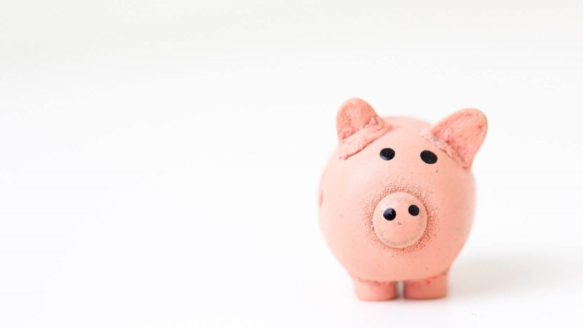 10 Ways to Save Money in University