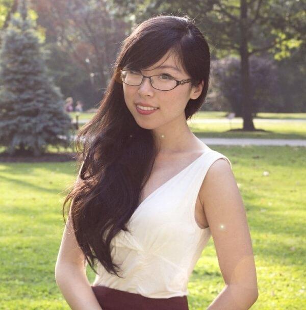 Angela Dong Headshot